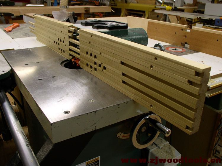 shop_built_adjustable_shaper_fence_1.jpg